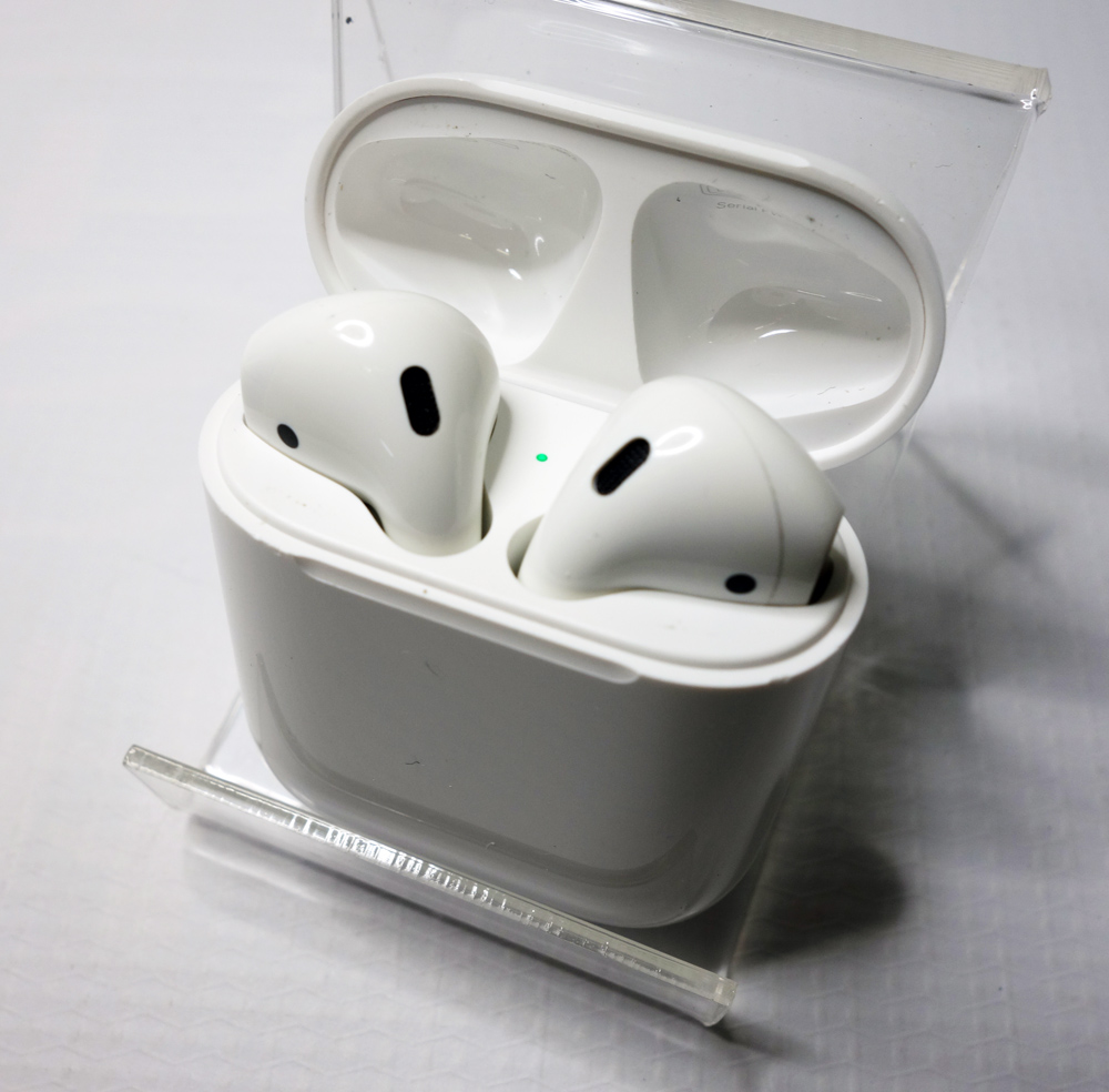 Apple AirPods MMEF2J/A(ワイヤレスヘッドフォン Bluetooth) [170]【福山店】